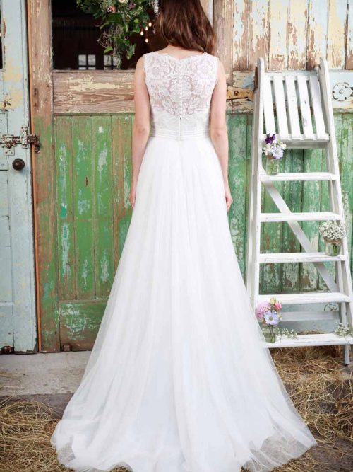 Amanda Wyatt Chantilly Wedding Dress