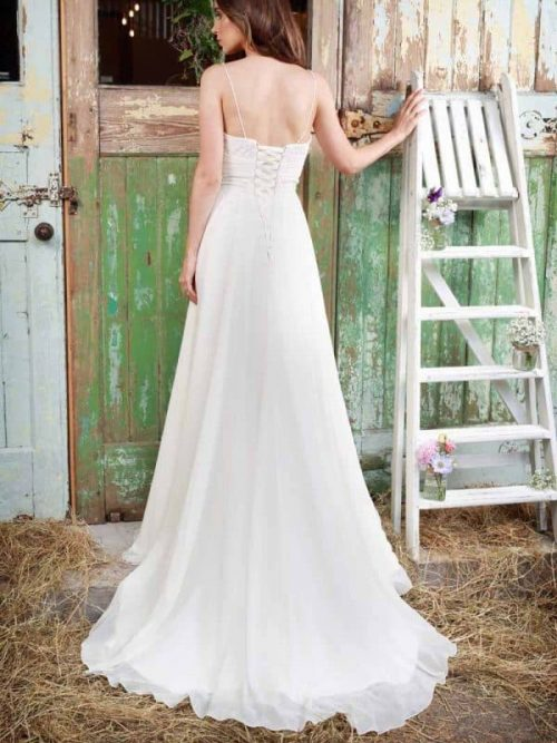 Leia by Amanda Wyatt Wedding Dress