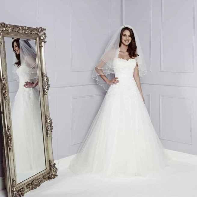 Peonie by Amanda Wyatt Wedding Dress