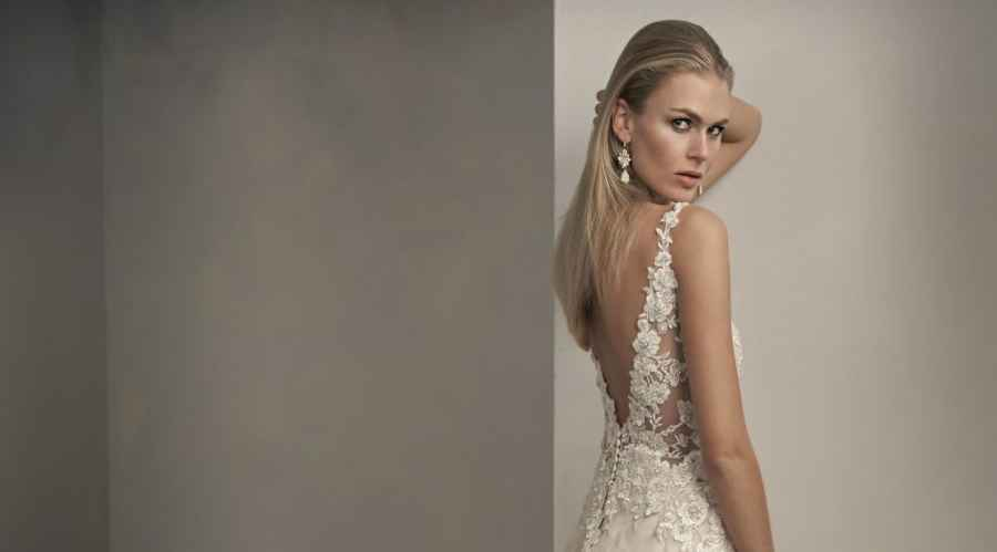 Jasmine Couture T192062, Winchester wedding dress shop, hampshire bridal boutique, best bridal boutique, berkshire, reading, newbury, salisbury, wiltshire, surrey, west sussex, dorset, bournemouth, southampton, portsmouth, basingstoke, andover, bournemouth, poole