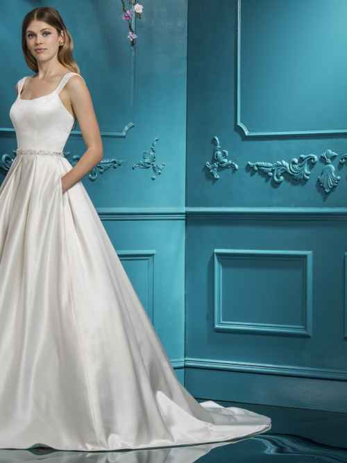 Ellis 18089, Winchester wedding dress shop, hampshire bridal boutique, best bridal boutique, winchester bridal boutique, berkshire, reading, newbury, salisbury, wiltshire, surrey, west sussex, dorset, bournemouth, southampton, portsmouth, basingstoke, andover, bournemouth, poole