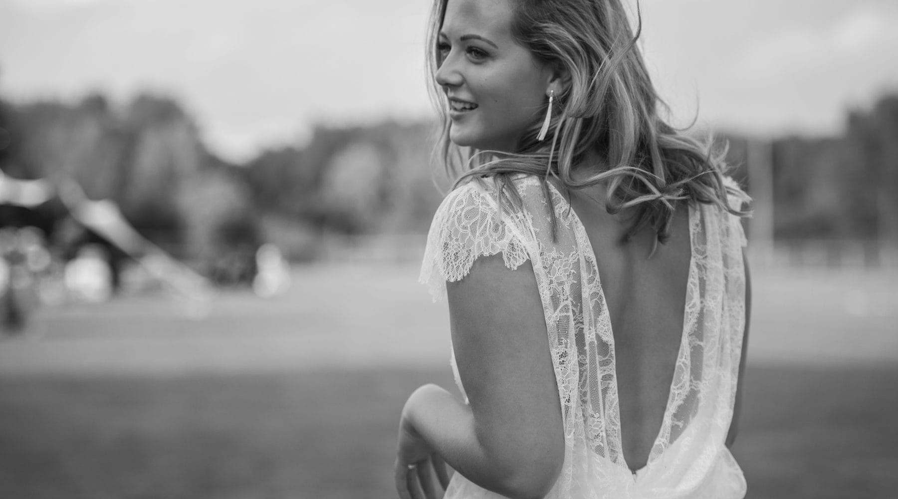 Bride wears Canelle by Cymbeline