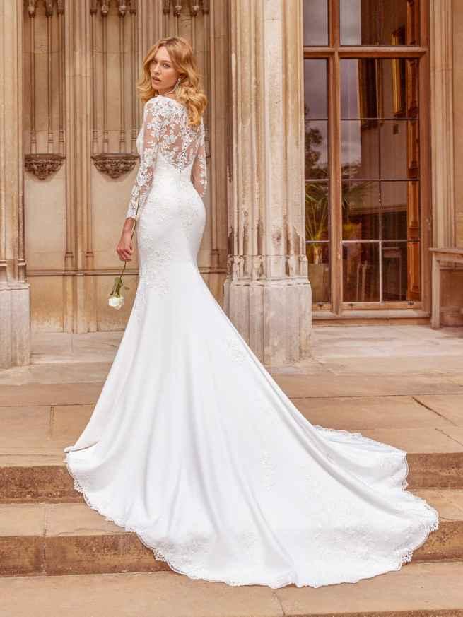 Ellis Bridals Sophia Back Wedding Dress