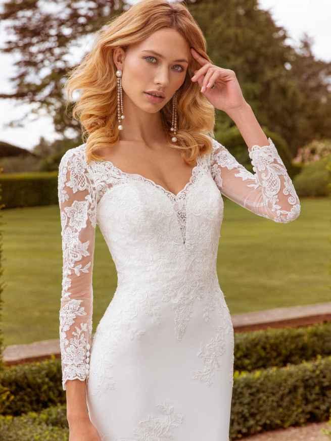 Ellis Bridals Sophia Front Wedding Dress
