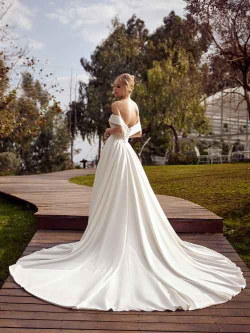 Julie Vino Veronik MB21-7 Front Wedding Dress