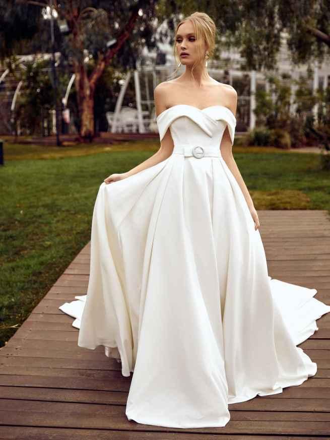 Julie Vino Veronik MB21-7 Front Wedding Dress