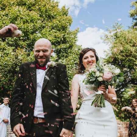 Avril marries Tim in a Cymbeline dress
