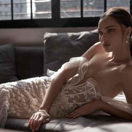Julie Vino Donna 2002 Dream Collection Mermaid Wedding Dress Sass and Grace Bridal
